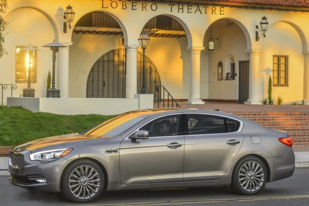 2015 Kia K900: New Car Review featured image large thumb4