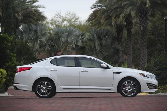 2013 Kia Optima: New Car Review featured image large thumb7