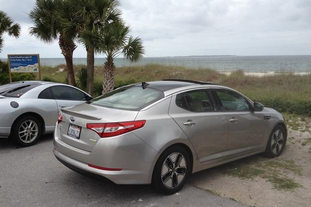 2012 Kia Optima Hybrid: Should You Opt for the Hybrid? featured image large thumb2