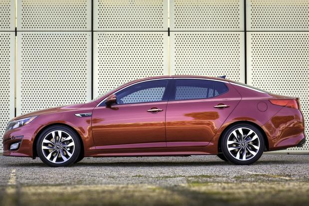 2013 vs. 2014 Kia Optima: What's the Difference? featured image large thumb6