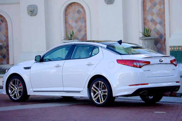 2013 vs. 2014 Kia Optima: What's the Difference? featured image large thumb10