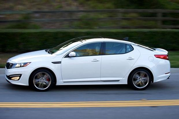 2013 vs. 2014 Kia Optima: What's the Difference? featured image large thumb8