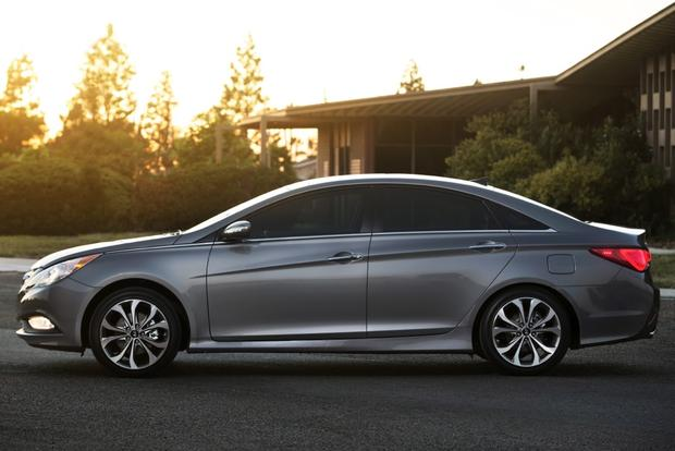2014 Kia Optima vs. 2014 Hyundai Sonata: What's the Difference? featured image large thumb6