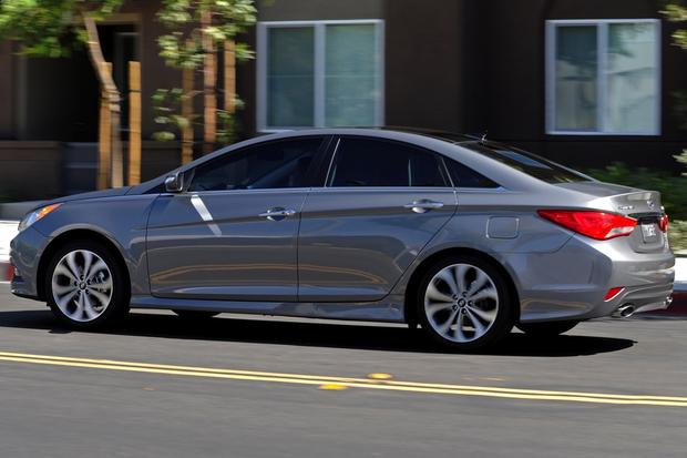 2014 Kia Optima vs. 2014 Hyundai Sonata: What's the Difference? featured image large thumb4
