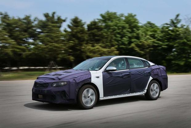 Kia Optima Hybrid and Plug-In Hybrid: First Drive Review featured image large thumb3