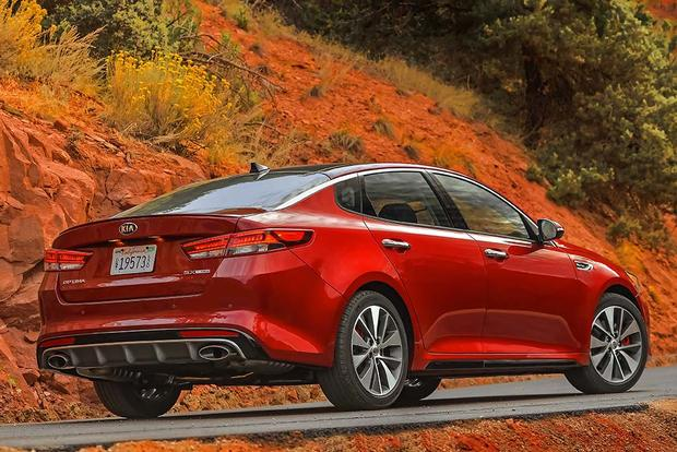 2016 Kia Optima vs. 2016 Toyota Camry: Which Is Better? featured image large thumb3