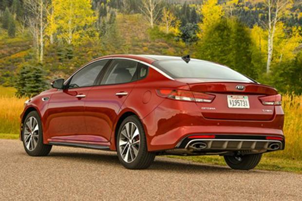 2016 Kia Optima vs. 2016 Toyota Camry: Which Is Better? featured image large thumb6