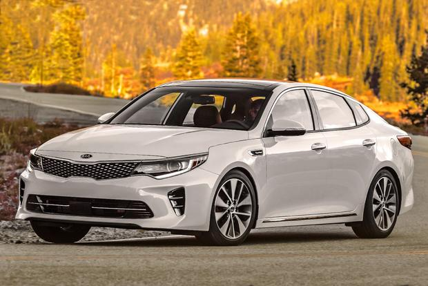 2018 Kia Optima: New Car Review featured image large thumb2