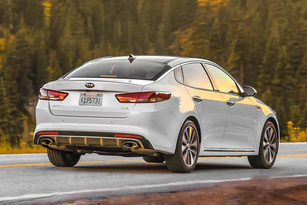 2018 Kia Optima: New Car Review featured image large thumb3