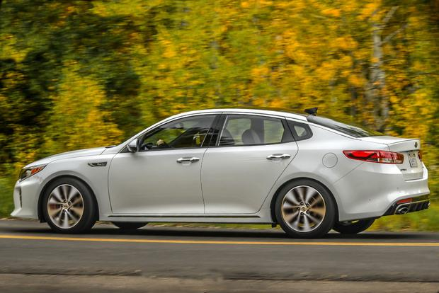 2018 Kia Optima: New Car Review featured image large thumb4