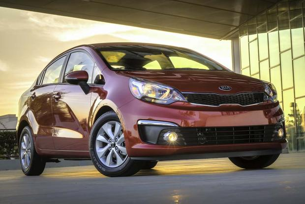 2016 Kia Rio: New Car Review featured image large thumb0