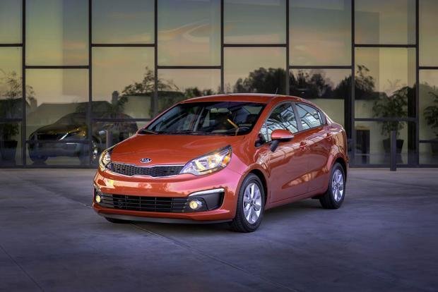 2017 Kia Rio: New Car Review featured image large thumb0