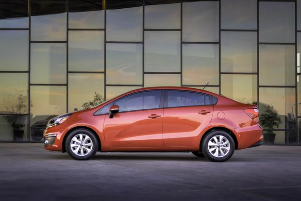 2017 Kia Rio: New Car Review featured image large thumb2