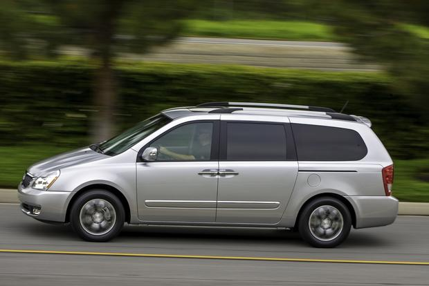 2014 Kia Sedona: New Car Review featured image large thumb3