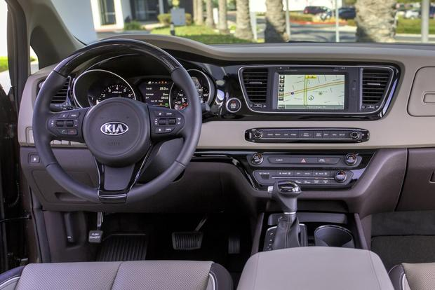 2015 Kia Sedona: New Car Review featured image large thumb2