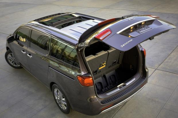 2015 Kia Sedona: New Car Review featured image large thumb5