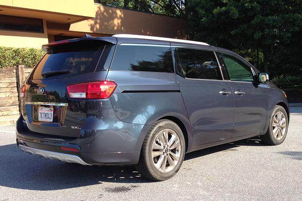 2015 Kia Sedona: On the Road featured image large thumb3