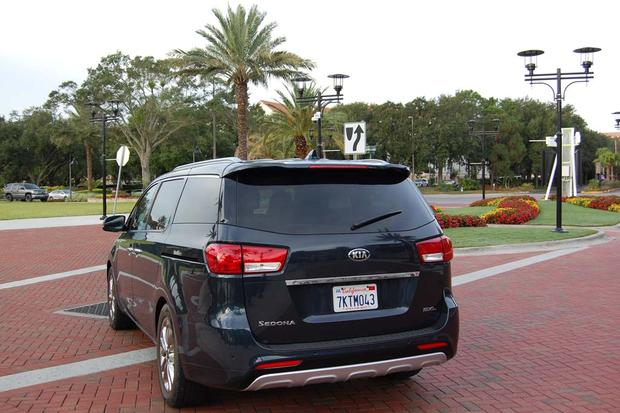 2015 Kia Sedona: Rain, Rain, Go Away featured image large thumb4
