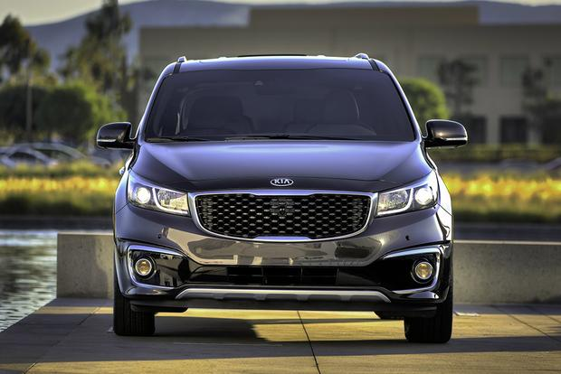 2018 Kia Sedona: New Car Review featured image large thumb3