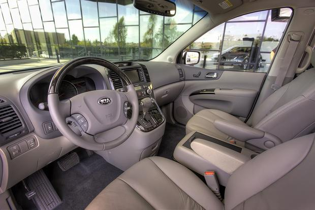 2014 Vs 2015 Kia Sedona What S The Difference Autotrader