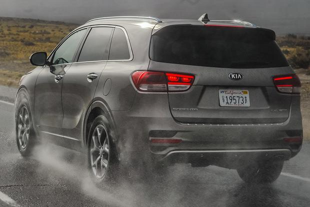 2016 Kia Sorento: First Drive Review featured image large thumb0