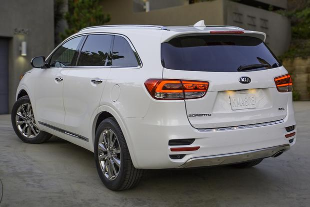2017 Kia Sorento: New Car Review featured image large thumb4