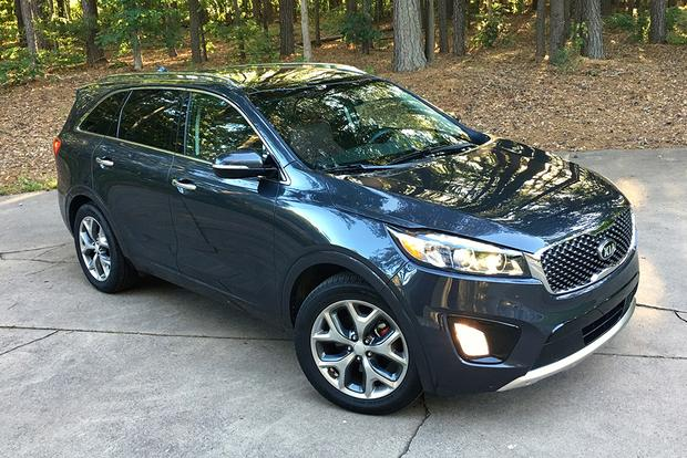 2017 Kia Sorento: Interior Details featured image large thumb1