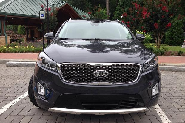 2017 Kia Sorento: Darn Good featured image large thumb3