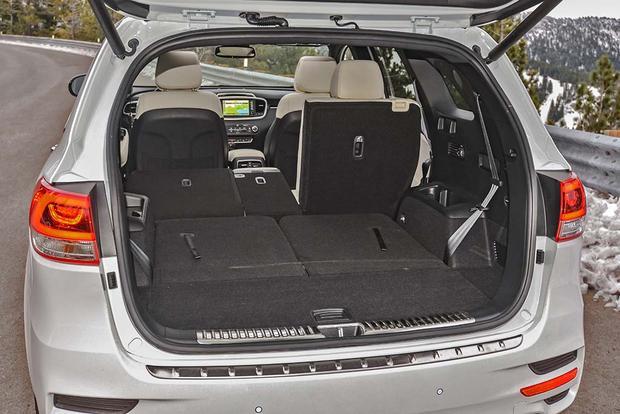 Kia Sorento 3rd Row >> 2018 Kia Sorento New Car Review Autotrader