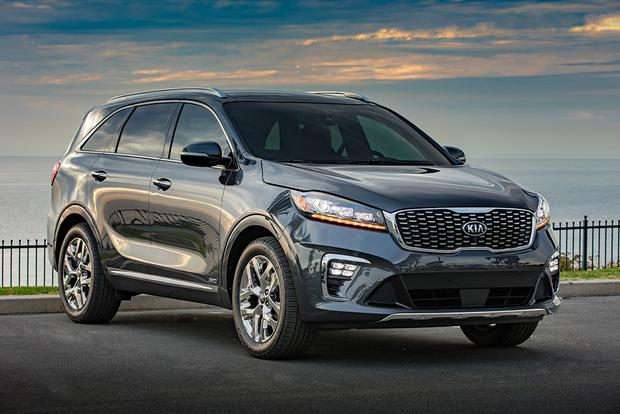 2018 vs. 2019 Kia Sorento: What's the Difference? featured image large thumb2