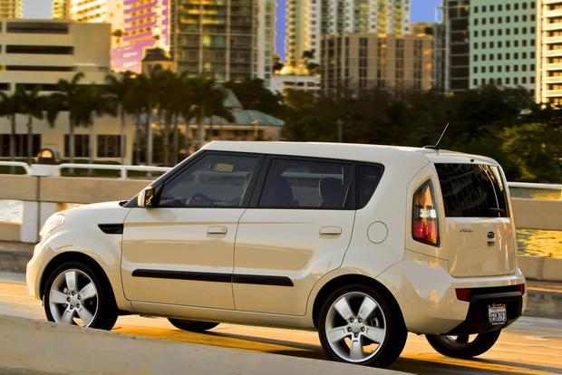 2010 2013 kia soul used car review autotrader. Black Bedroom Furniture Sets. Home Design Ideas