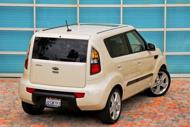 2010-2013 Kia Soul: Used Car Review featured image large thumb2