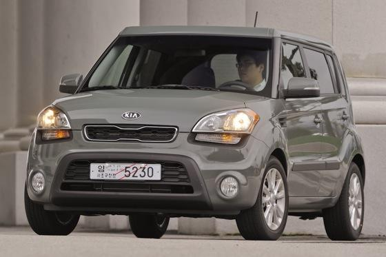 2012 Kia Soul: New Car Review featured image large thumb21