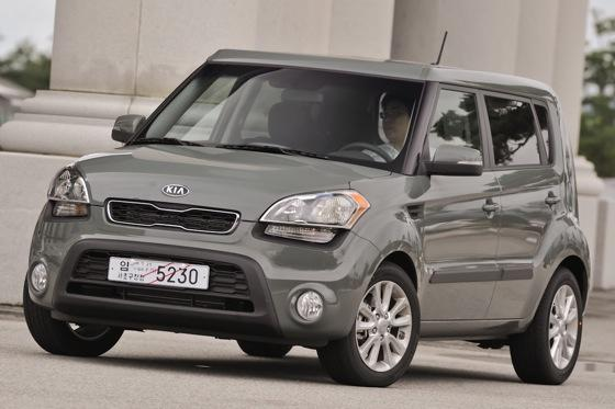 2012 Kia Soul: New Car Review featured image large thumb22