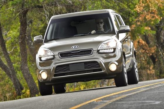 2013 Kia Soul: New Car Review featured image large thumb25