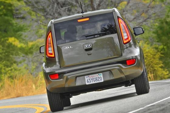 2012 Kia Soul: New Car Review featured image large thumb28