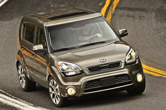 2013 Kia Soul: New Car Review featured image large thumb34