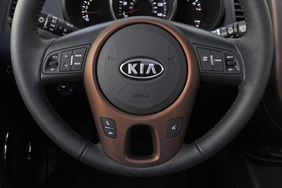 2013 Kia Soul: New Car Review featured image large thumb41