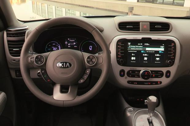 2017 Kia Soul EV: New Car Review featured image large thumb1