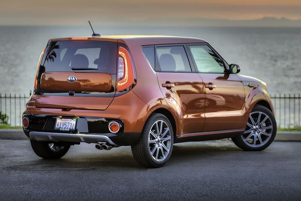 2017 Kia Soul: New Car Review featured image large thumb5