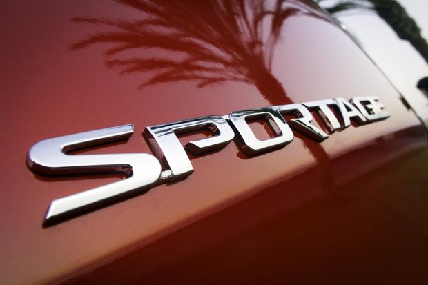 2013 Kia Sportage: OEM Image Gallery featured image large thumb8