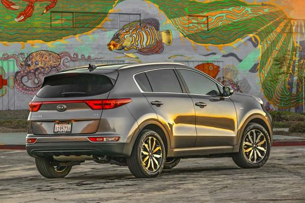 2017 Kia Sportage SX: Surprisingly Premium - Video featured image large thumb4