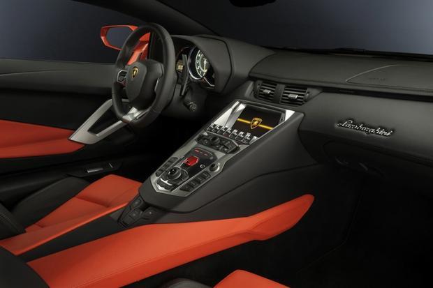 2013 Lamborghini Aventador: Overview featured image large thumb2