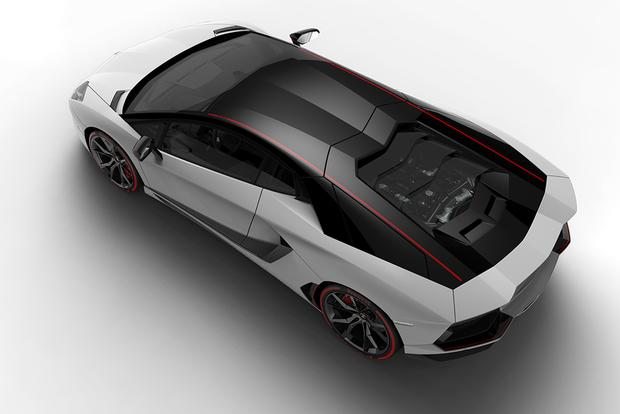 2015 Lamborghini Aventador: Overview featured image large thumb2