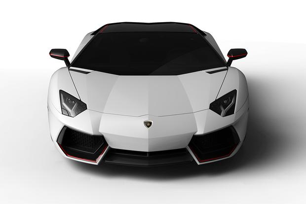 2015 Lamborghini Aventador: Overview featured image large thumb4