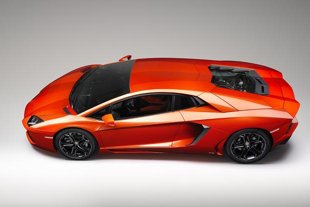 2017 Lamborghini Aventador: Overview featured image large thumb2