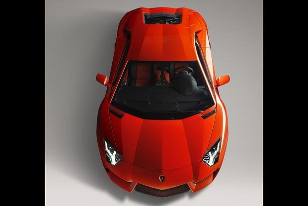 2017 Lamborghini Aventador: Overview featured image large thumb3