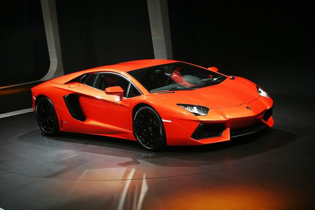 2017 Lamborghini Aventador: Overview featured image large thumb4