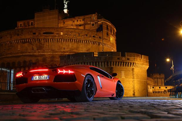 2017 Lamborghini Aventador: Overview featured image large thumb5
