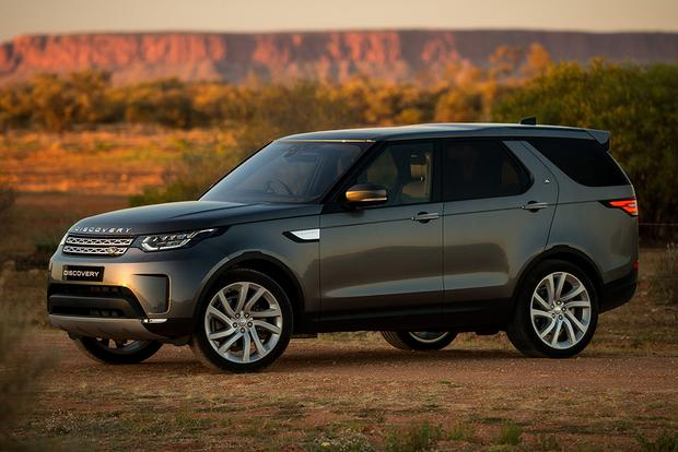2018 Land Rover Discovery: New Car Review featured image large thumb0